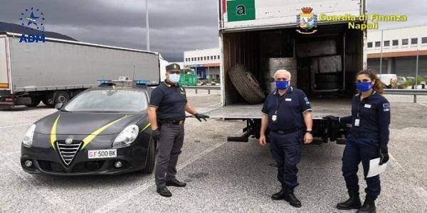Napoli: Agenzia Dogane e GDF sequestrano rifiuti diretti in Libia