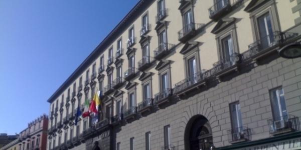 Napoli: allerta meteo, domani chiusi parchi e cimiteri cittadini