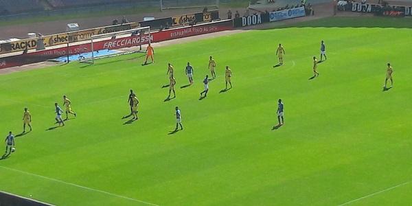 Cagliari - Napoli: azzurri, dimenticare Liverpool. Vincere per continuare la rincorsa alla Juve.