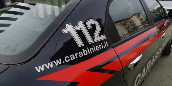 Napoli, Rione Traiano: ancora un blitz dei carabinieri contro lo spaccio di droga.