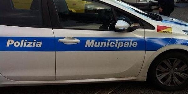 Napoli: Passi carrai, la Municipale emette 54 sanzioni