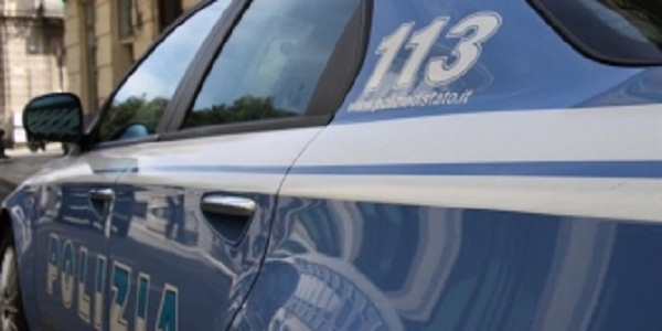 Napoli, San Giovanni: la polizia ferma un uomo trovato in possesso di una pistola