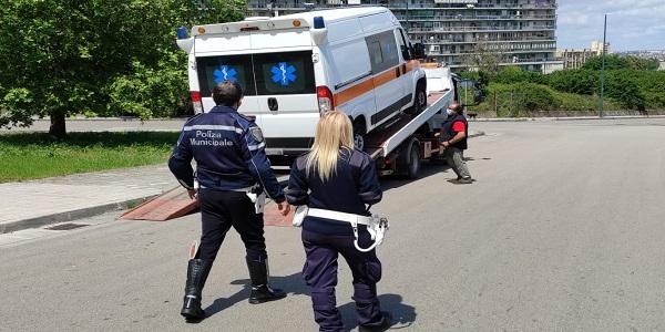 Napoli: controlli della Municipale ai veicoli adibiti al trasporto sanitario