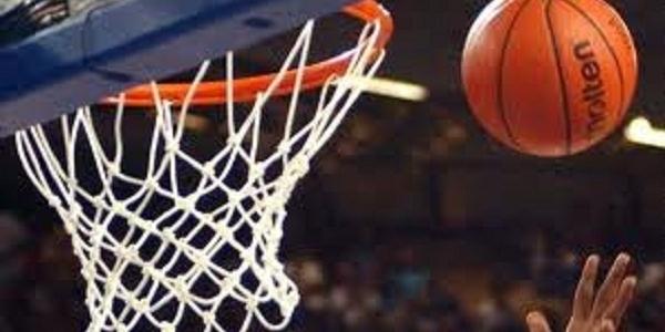 La GeVi Napoli Basket sfiora l'impresa. Caserta vince il derby all'overtime 76-78