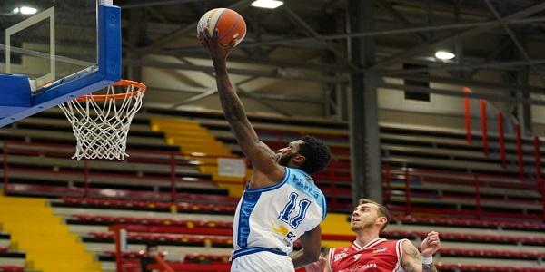 Gevi Napoli Basket - Lux Basket Chieti 90-85. Sacripanti: compatti nel momento di difficoltà