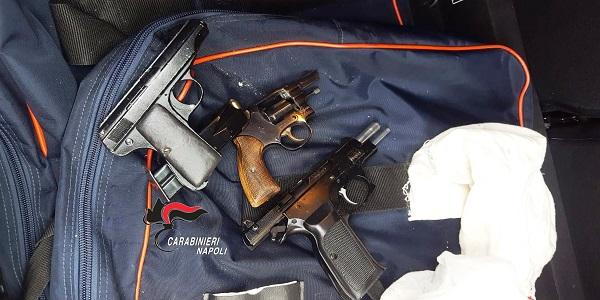 Brusciano: blitz dei carabinieri, rinvenute armi e munizioni