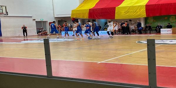 Orasì Ravenna-Gevi Napoli Basket 54-69, gli azzurri tornano alla vittoria.