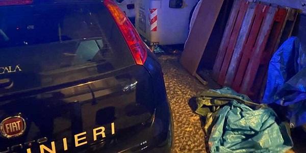Napoli: controlli dei carabinieri, denunciati due ragazzi trovati in possesso di coltelli