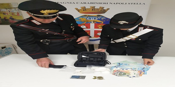 Napoli: i carabinieri sequestrano cocaina, marijuana e hashish. Arrestate due persone