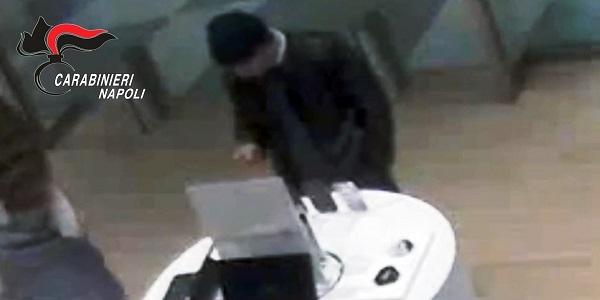 Pompei: rubò uno smartphone, arrestato dai carabinieri