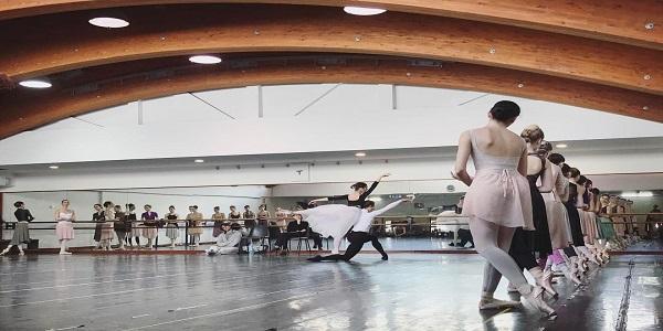 Il Teatro di San Carlo vola a Singapore con il corpo di ballo diretto da Picone per Giselle