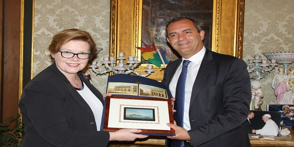 Napoli: de Magistris ha ricevuto il Console Generale degli Stati Uniti D'America