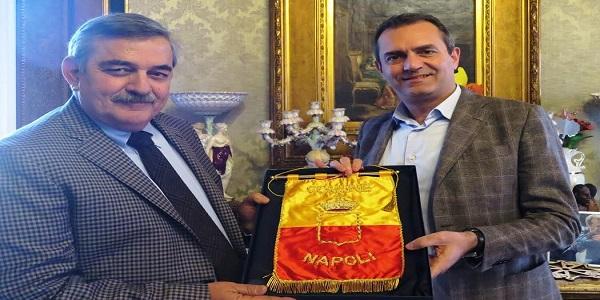 Napoli: de Magistris riceve la visita di commiato del Questore Marino