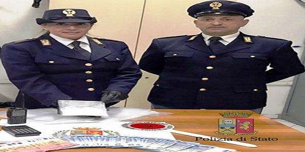 Napoli: fratello e sorella arrestati dalla polizia per detenzione di stupefacenti