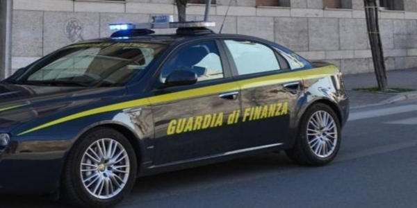 Pompei: la GDF sequestra 23 kg di droga e arresta due uomini