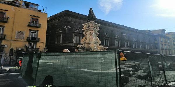Napoli: al via i lavori per la recinzione della Fontana di Monteoliveto