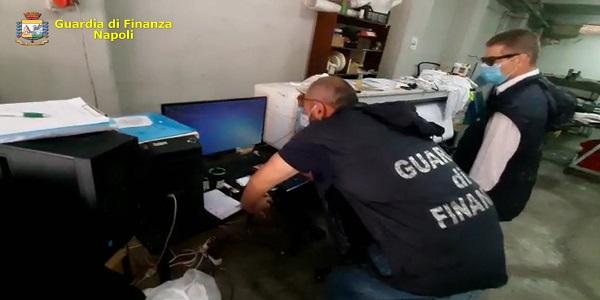 Nola: fabbrica del falso sequestrata dalla GDF. Denunciato il titolare.