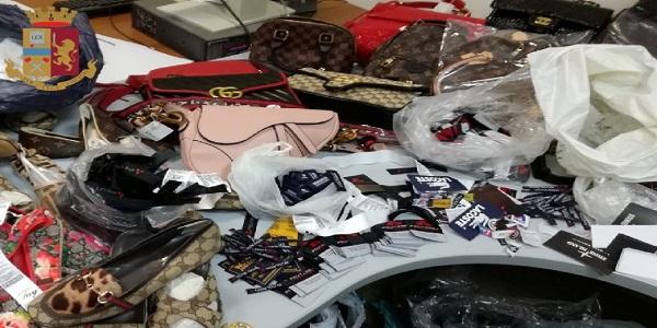 Napoli: la polizia sequestra borse e scarpe contraffatte. Denunciata una donna