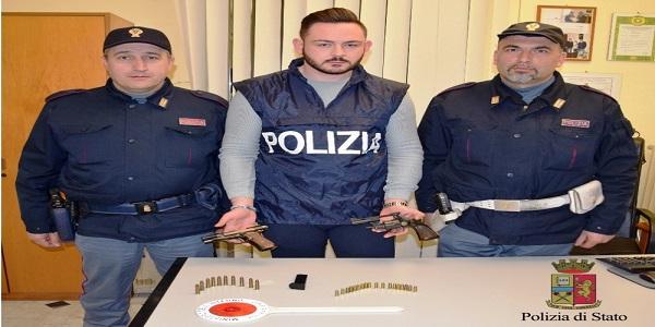 Acerra: deteneva illegalmente due pistole in casa, arrestato dalla polizia