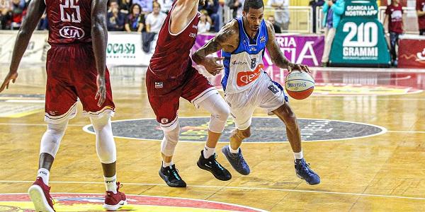 Basket: la GeviNapoli espugna Trapani. Finisce 75 - 83, terza vittoria consecutiva
