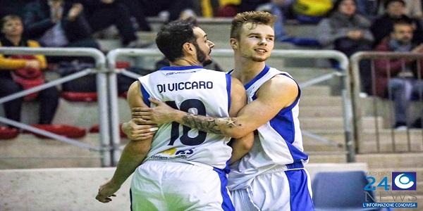 Napoli la spunta all'overtime: la GeVi batte Palermo 67-60
