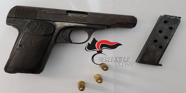 Giugliano: colpi di pistola contro un'abitazione, i CC identificano e arrestano l'autore