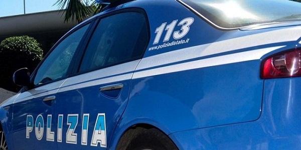 Napoli, Scampia: trovato in possesso di droga, arrestato dalla polizia