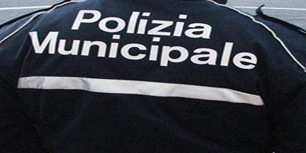 Napoli, Vomero: controlli della Municipale, sanzionate attività commerciali e condomini