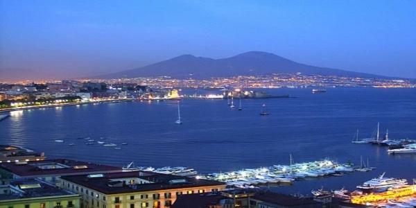 Napoli: Notte della Tammorra, Ferragosto sul lungomare con Peppe Barra (video
