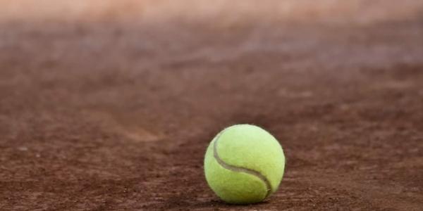 Tennis: Medvedev vince a Shanghai, primo titolo per la giovane Gauff