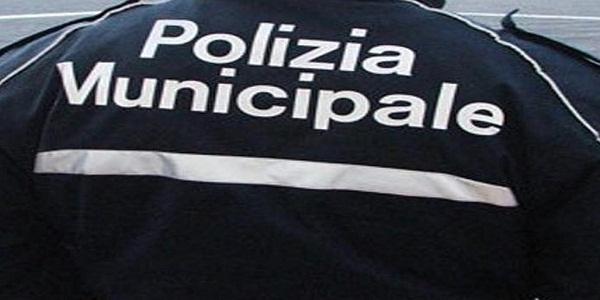 Napoli: controlli della Municipale a Piazza Trieste e Trento e Chiaia.