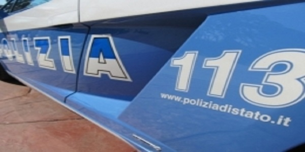 Napoli: evade dai domiciliari per fare il parcheggiatore abusivo. Arrestato