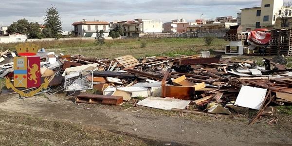 Castellammare: la polizia sequestra legname ammassato per evitare i roghi dell'8 dicembre