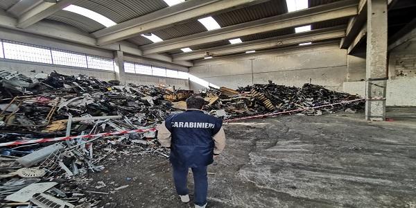 Casavatore: 500 metri cubi di rifiuti stoccati illecitamente, denunciato il titolare di una ditta