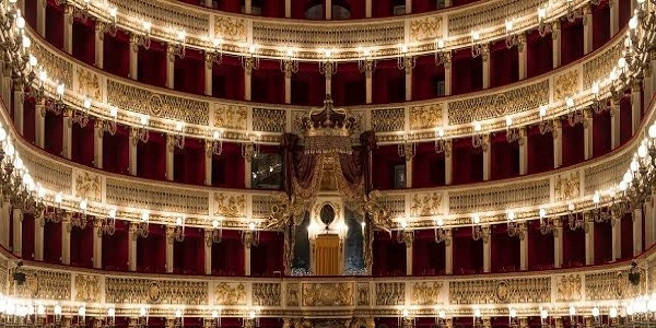 Teatro San Carlo: concerti in terrazza, domani Eugenio Bennato e Bruno Troisi Quartet.