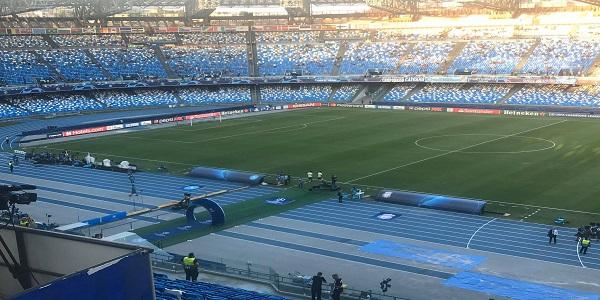 Napoli-Cagliari 2-0: Osimhen fa impazzire la difesa ospite, gol e rigore procurato
