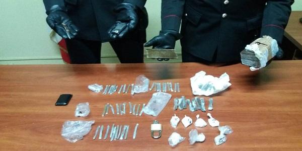 Ercolano: detenzione di hashish e crack, arrestata dai carabinieri
